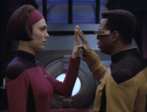 Ro_and_Geordi_connect