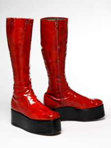 17-red-platform-boots-for-the-1973-aladdin-sane-tour