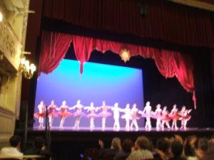 I Trocks sul palco del Teatro Sociale di Como